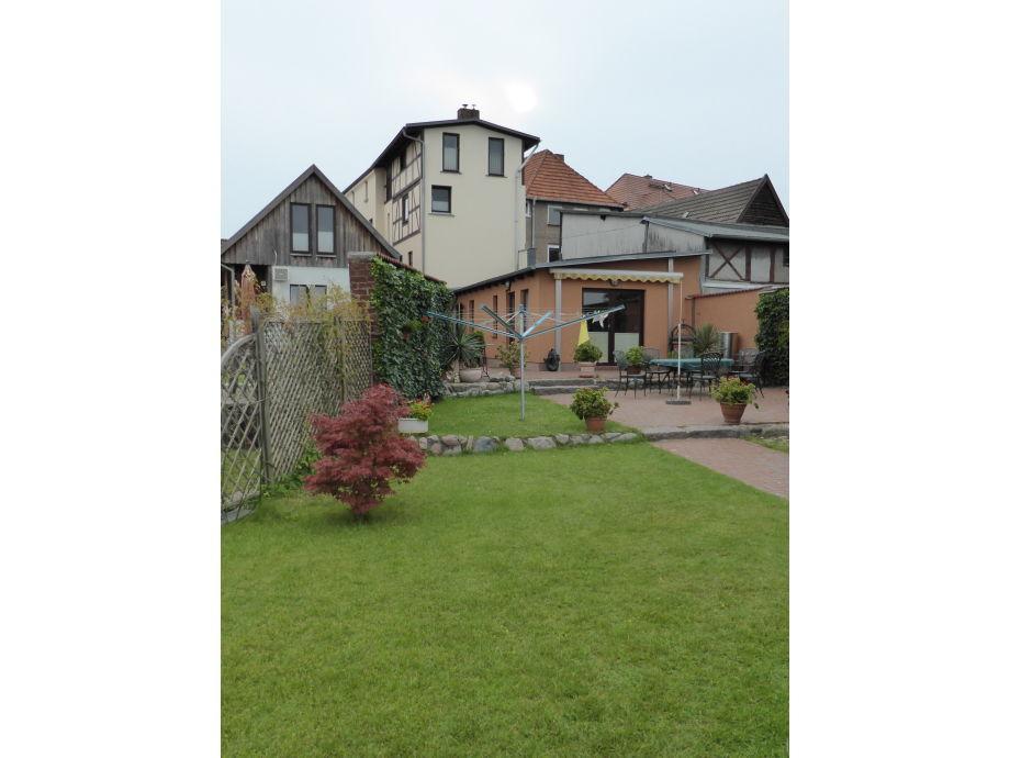 Garten, Bungalow + im Haus oben die Ferienwohnung