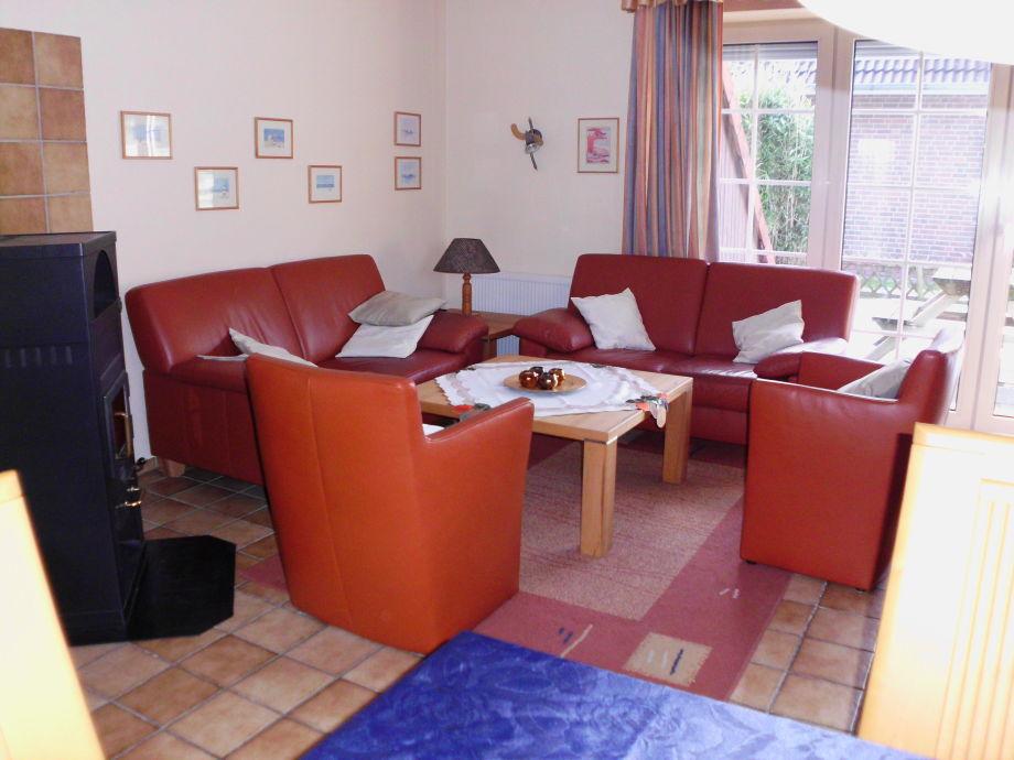 Wohnzimmer Sitzgruppe mit Blick auf die Terrasse