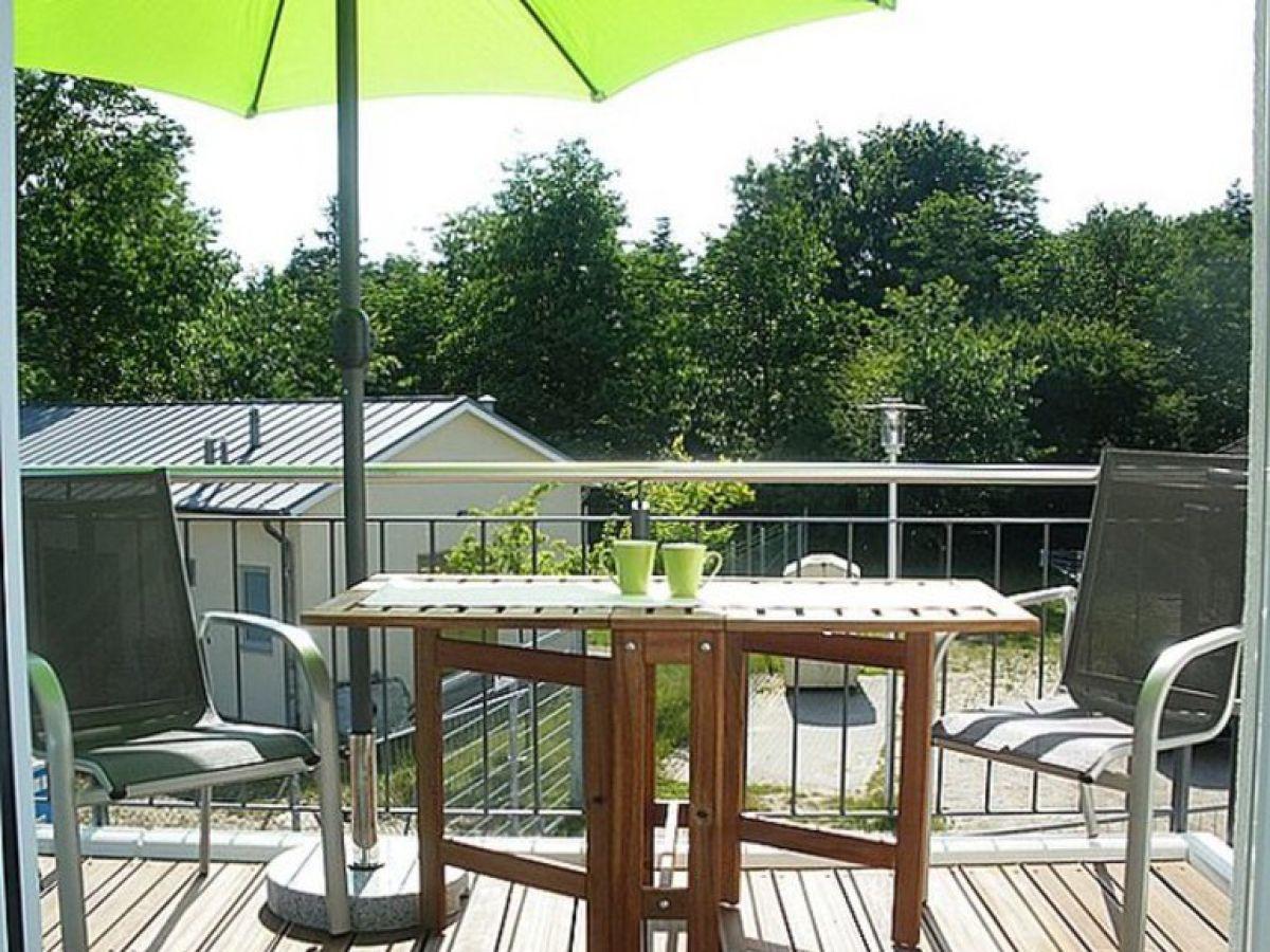 Ferienwohnung 51 ostsee niendorf firma for Ameisen auf dem balkon