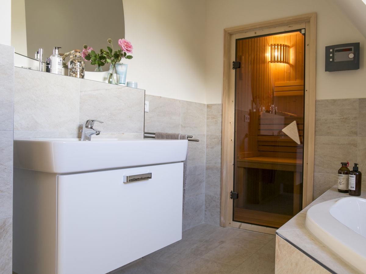 ferienhaus seeschwalbe 55 fischland dar zingst firma relamare gmbh frau cornelia steinhage. Black Bedroom Furniture Sets. Home Design Ideas