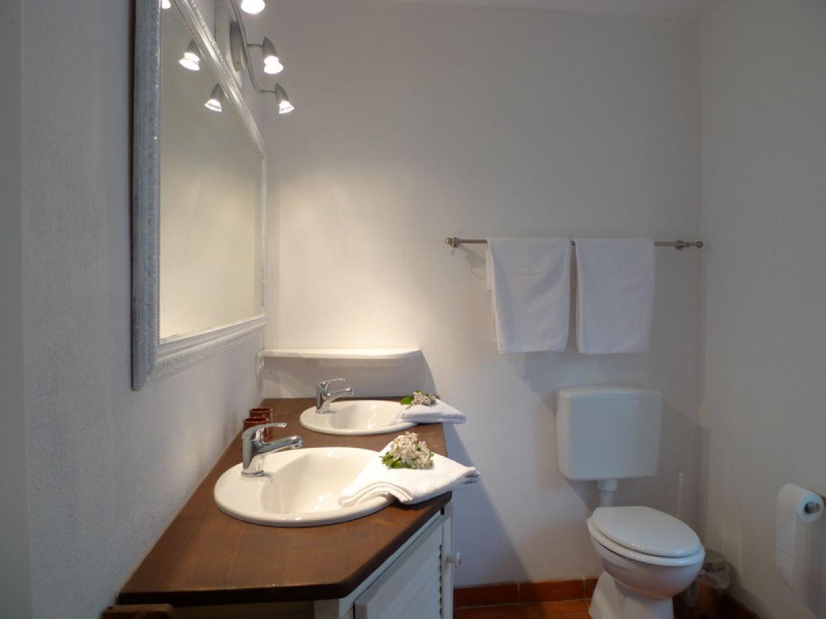 ferienwohnung heckenrose husumer bucht frau jennifer srenk. Black Bedroom Furniture Sets. Home Design Ideas