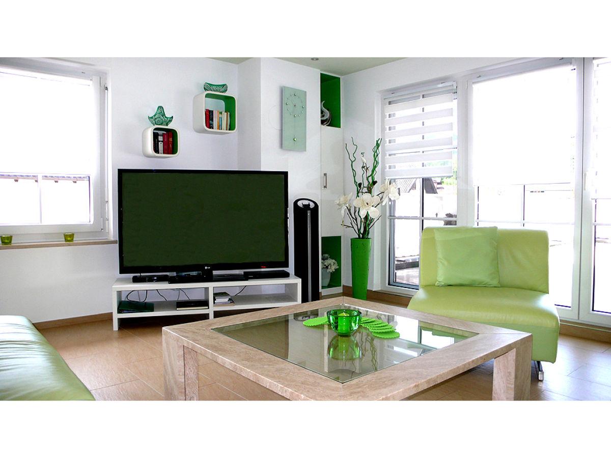 Ferienhaus charlotte lucia garmisch partenkirchen firma fewo kuen frau erika degout - Fernseher wohnzimmer ...