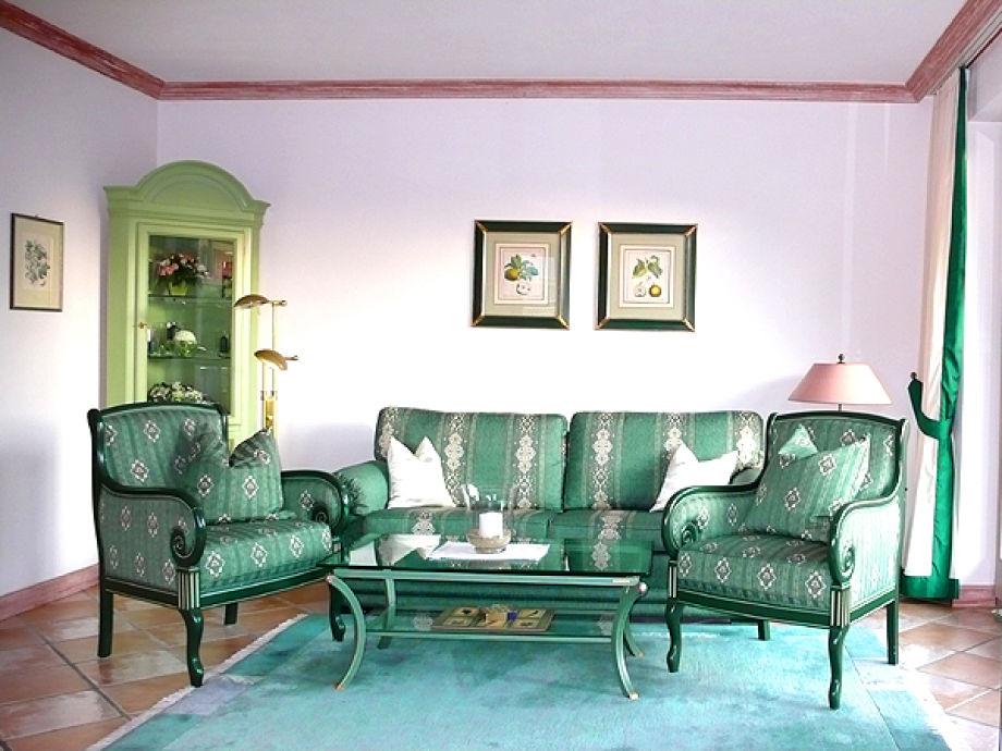 Wohnzimmer mit exklusiver Einrichtung