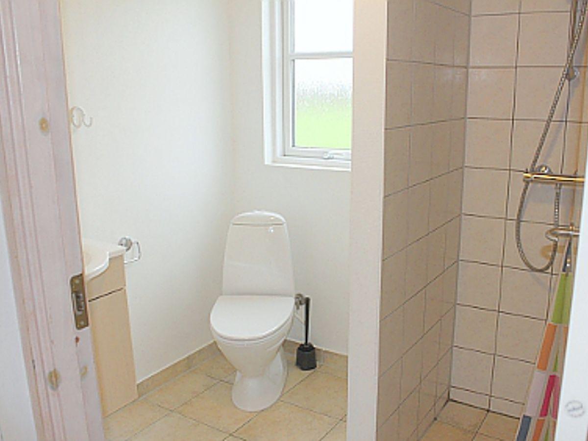 Ferienhaus jasmin aktivhus l275 falster firma dk for Badezimmer jasmin