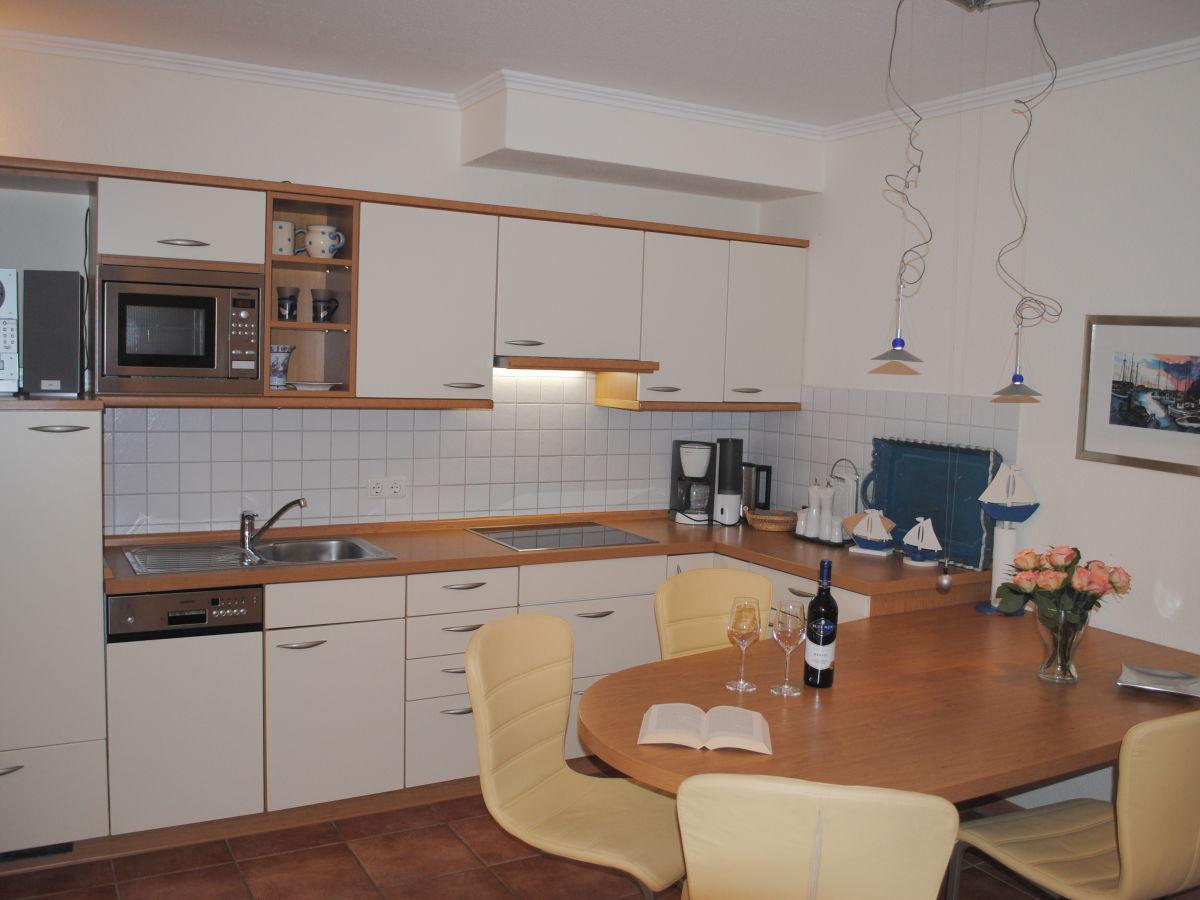 ferienwohnung 13 in der villa isabell ostseebad binz auf der insel r gen firma. Black Bedroom Furniture Sets. Home Design Ideas