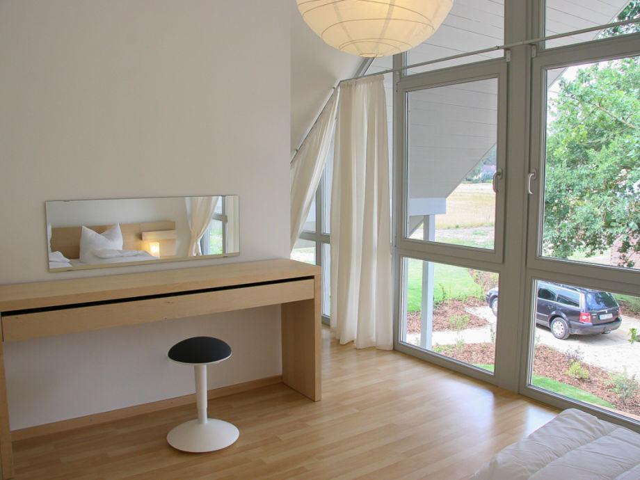 Schlafzimmer mit begehbarem kleiderschrank for Billig wohnung einrichten