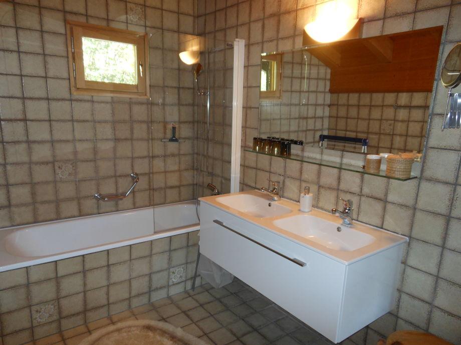 ferienhaus chalet conzen davos lenzerheide graub nden firma ferienhaus chalet conzen. Black Bedroom Furniture Sets. Home Design Ideas