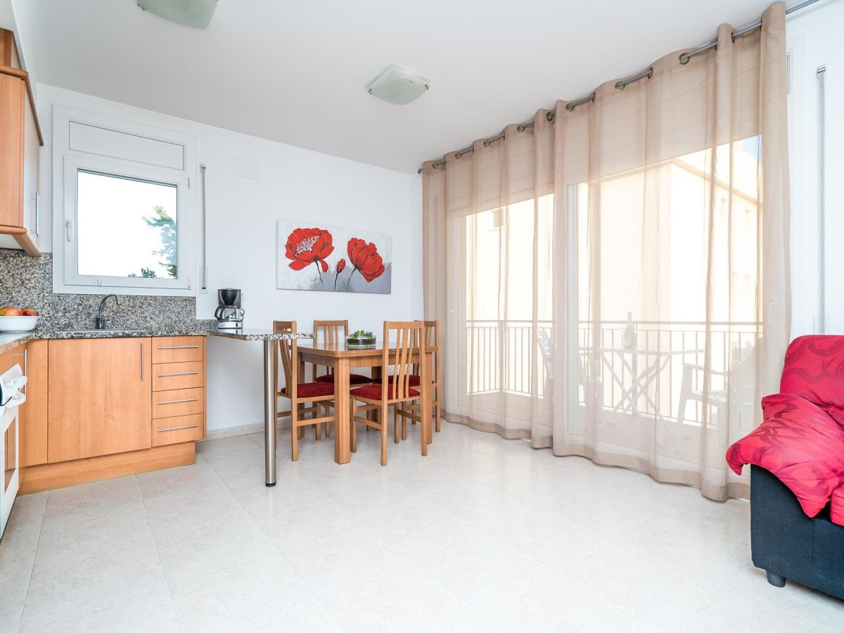 ferienwohnung r178 roca llarga hutg 008537 roses firma ceigrup finques j company frau. Black Bedroom Furniture Sets. Home Design Ideas