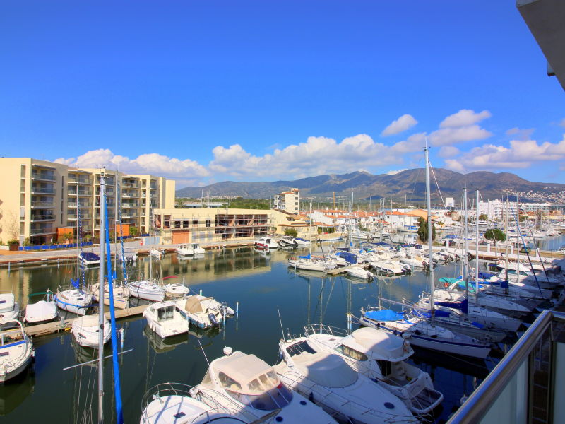 Holiday apartment R154 Royal Marina II 327(HUTG-007922)