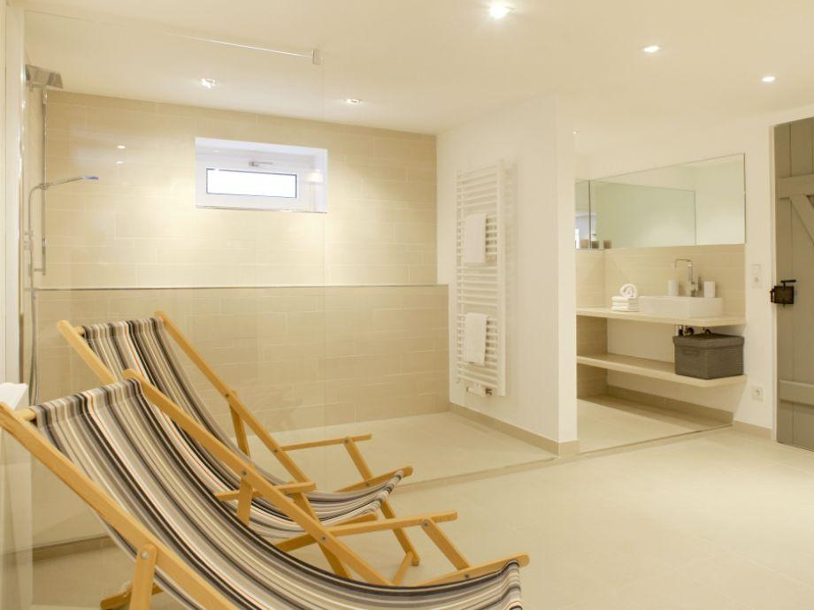 ferienhaus buhne 8 sylt firma appartementvermittlung familie clausen frau cornelia clausen. Black Bedroom Furniture Sets. Home Design Ideas