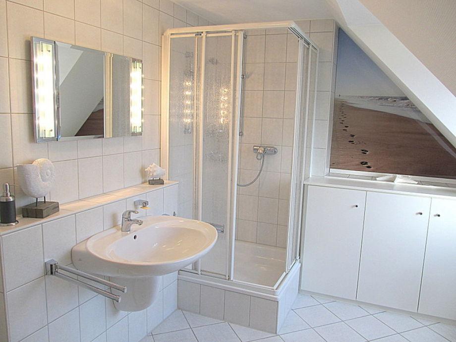 Ferienwohnung 14 mit sauna l becker bucht timmendorfer for Geflieste badezimmer