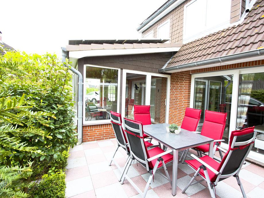 Terrasse mit großer Esstisch