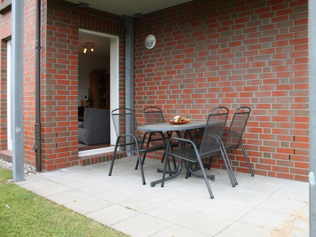 ferienwohnung 01 kastanienhof boltenhagen firma boltenhagener appartement immobilien. Black Bedroom Furniture Sets. Home Design Ideas