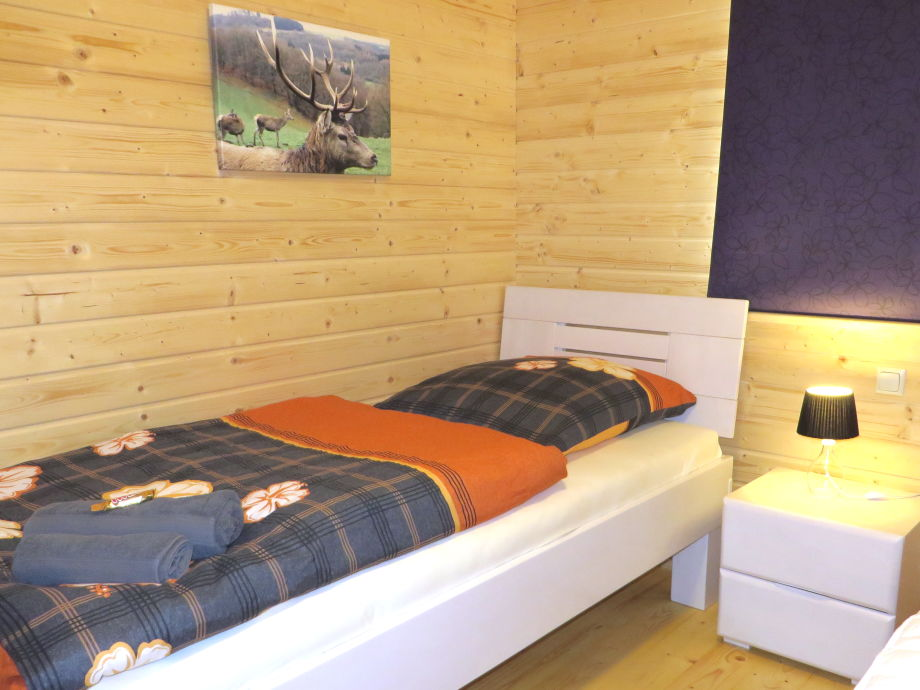 ferienhaus nina eifel n rburgring firma eifel see ferienhausvermietung am waldsee rieden. Black Bedroom Furniture Sets. Home Design Ideas