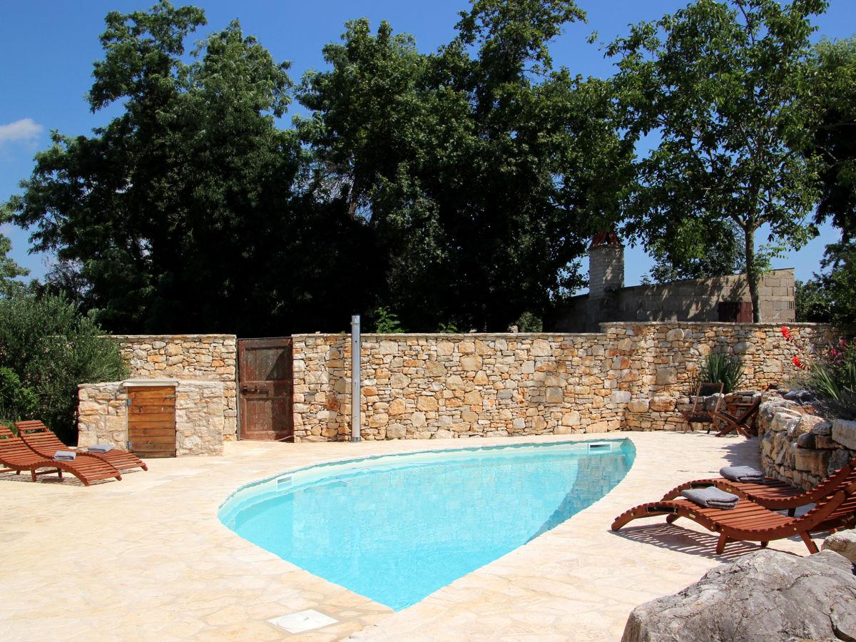 villa mathilda kroatien istrien frau melanie stein. Black Bedroom Furniture Sets. Home Design Ideas