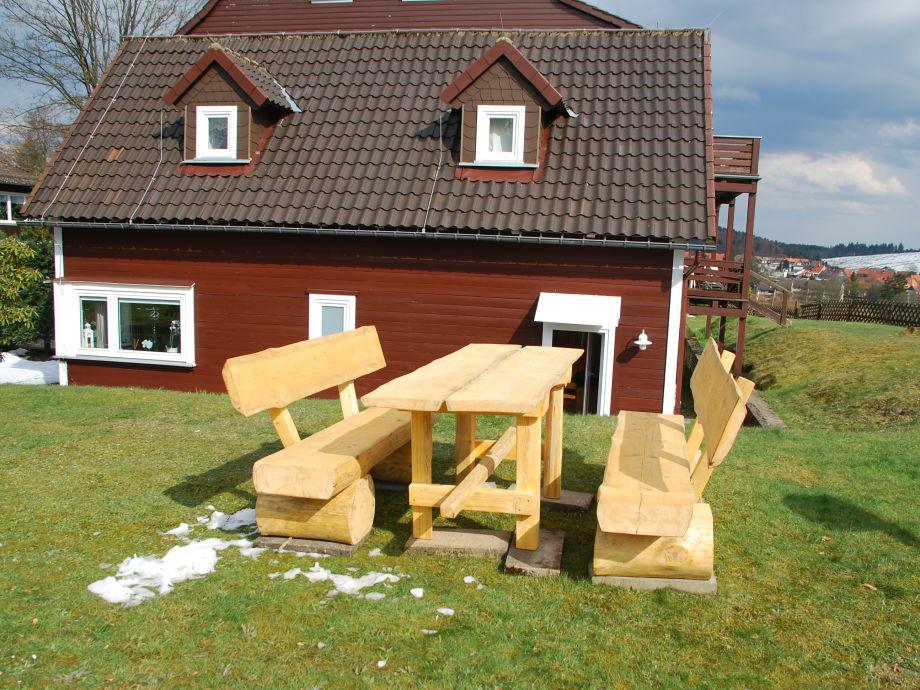 neue rustikale Sitzgelegenheit für urige Brettljaus'n