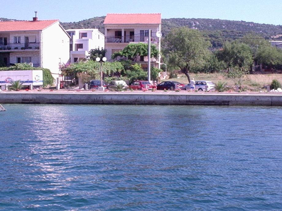 Apartments Mate, 10 Meter vom Meer und Strand entfernt