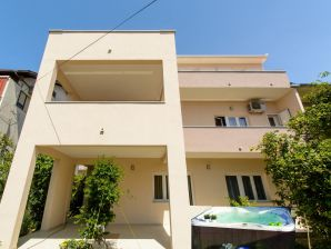 Apartment Kapelica Trogir