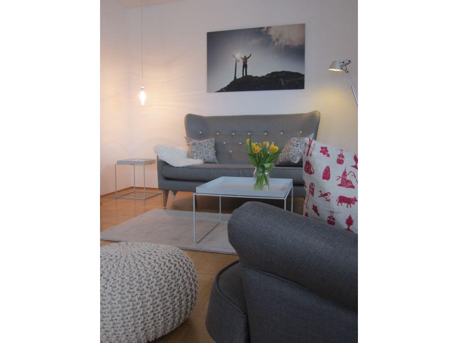 Ferienwohnung alpspitzliebe garmisch partenkirchen for Ohrensessel wohnzimmer