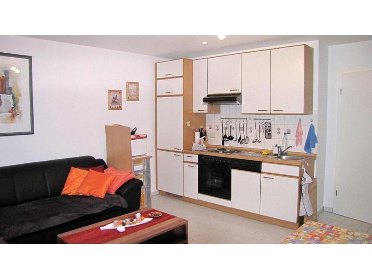 kamin wohnzimmer offene k che home design und m bel ideen. Black Bedroom Furniture Sets. Home Design Ideas