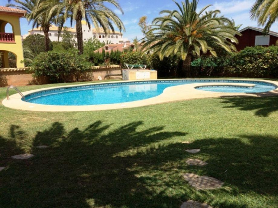 Palmengarten und Pool