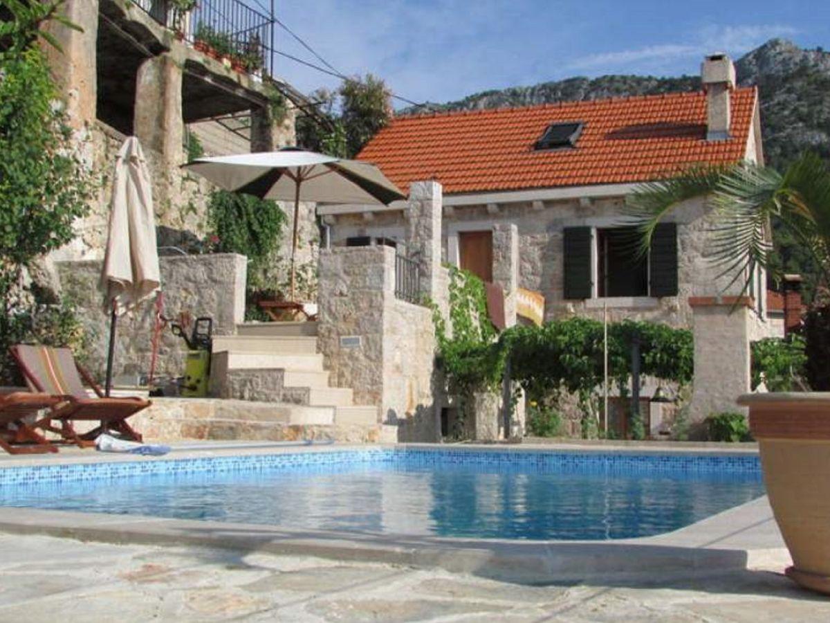 Ferienhaus balatura dalmatien insel hvar firma for Haus mit pool