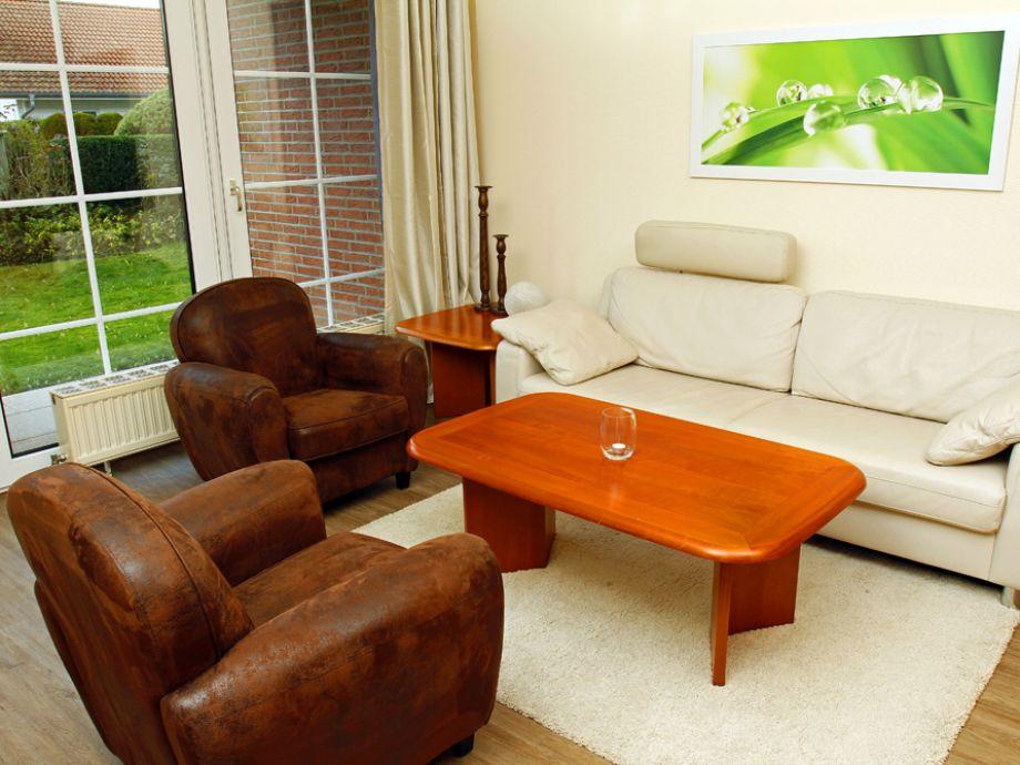 Modernes Wohnzimmer mit eigenem Gartenzugang