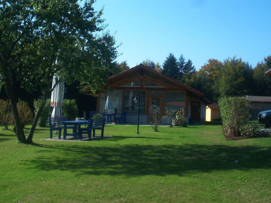 Aussenansicht Ferienhaus mit Wintergarten